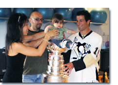 Mike Zigomanis brings Stanley Cup to Pilates North